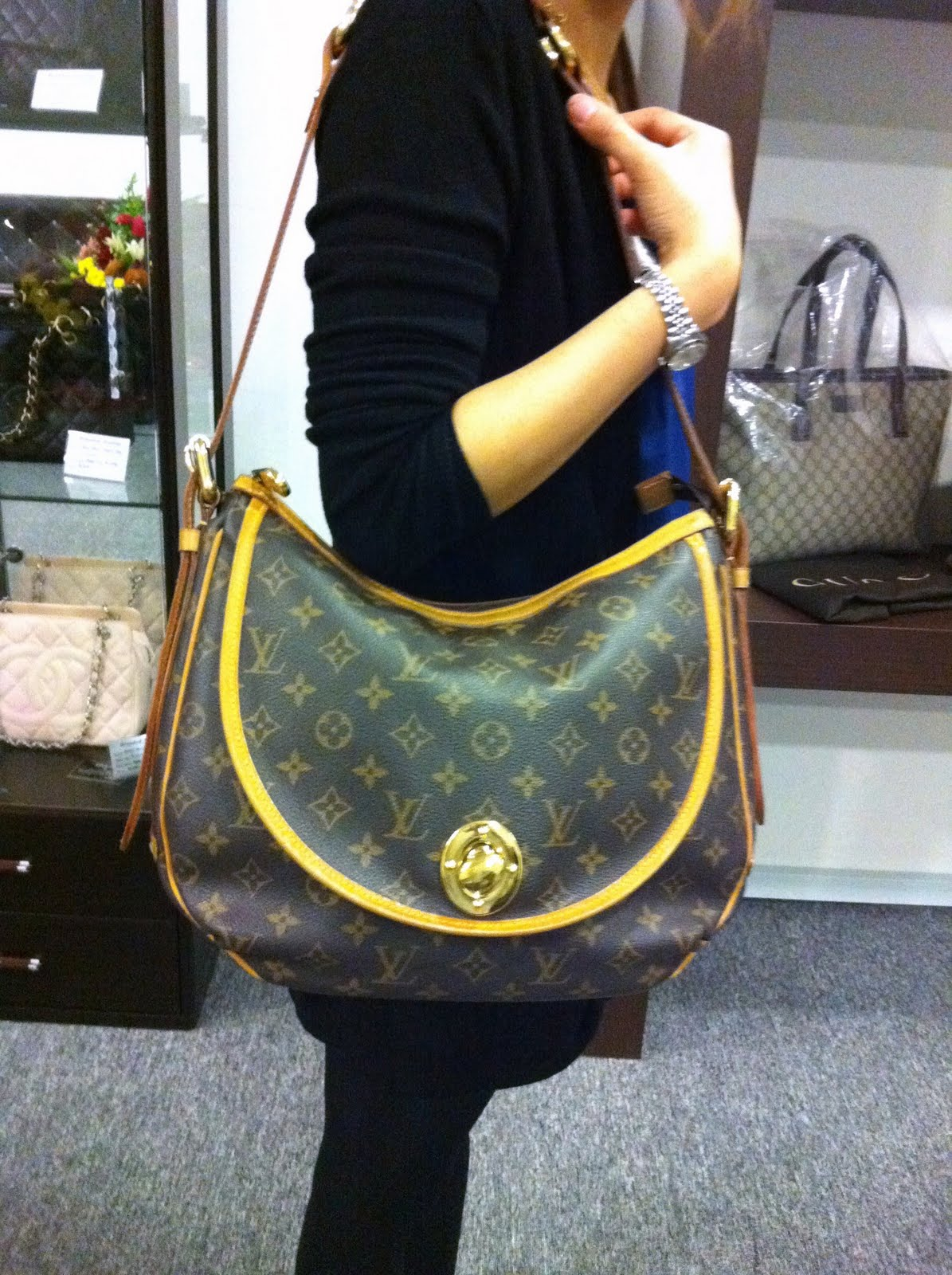 Branded Station Sdn Bhd 二手名牌专卖店 全新 Louis Vuitton Sold Out