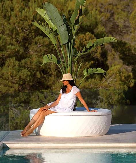 http://www.portobellodeluxe.com/es/product.asp?id=12129&Macetero-Sofa-Island-Vases