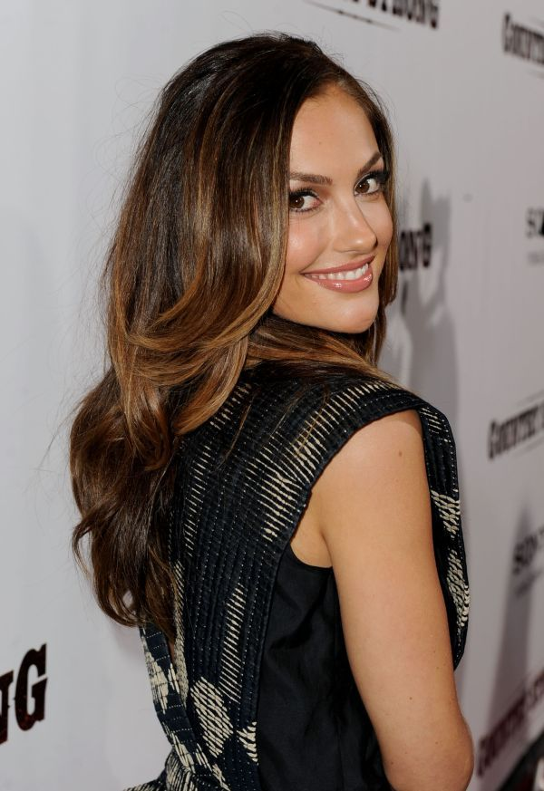 Minka Kelly Style Hairstyles And Dresses In All Beauty