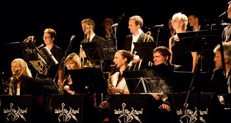 Sæby Big Band fik besøg af ikke mindre end 200 gæster til Cæcilie Norby koncert