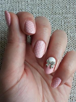 http://belgijska.blogspot.com/2015/05/nail-stamping-challenge-girly.html