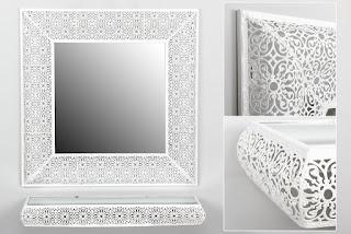 Repisa blanca y espejo para entrada