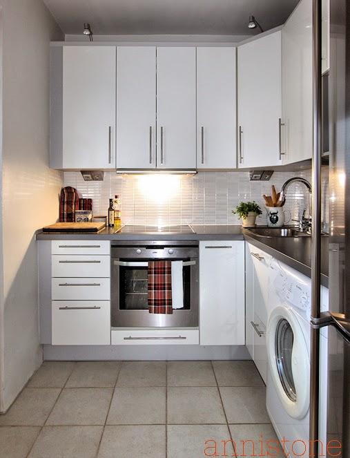 vaalea keittiö pieni keittiö