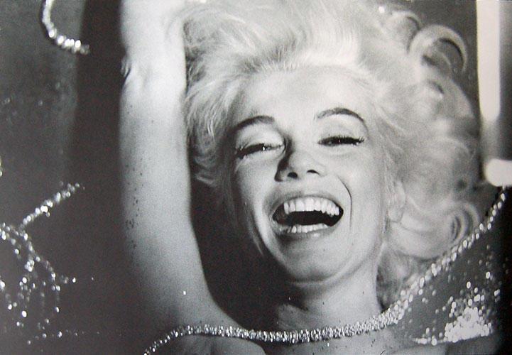 JaLpArI - tHe MeRmAiD: December 2011 Marilyn Monroe Laughing Pictures Tumblr