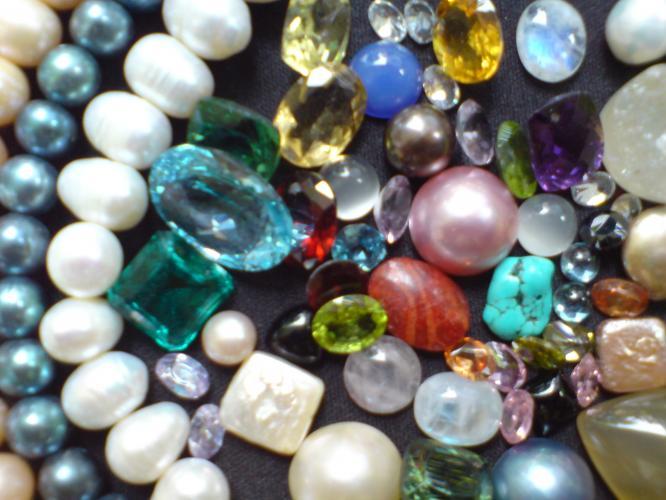 Lebih Jauh Mengenal Tentang Batu Mulia /Batu Permata
