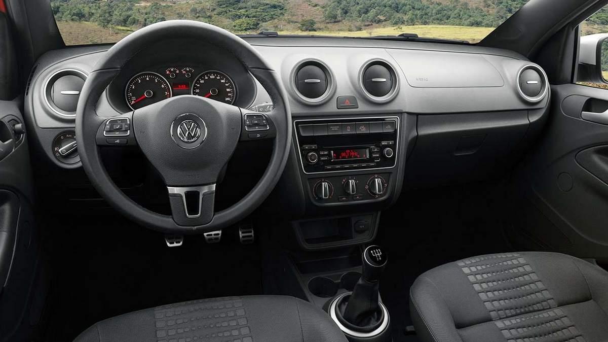 Nova VW Saveiro Cross 2015 - interior - painel