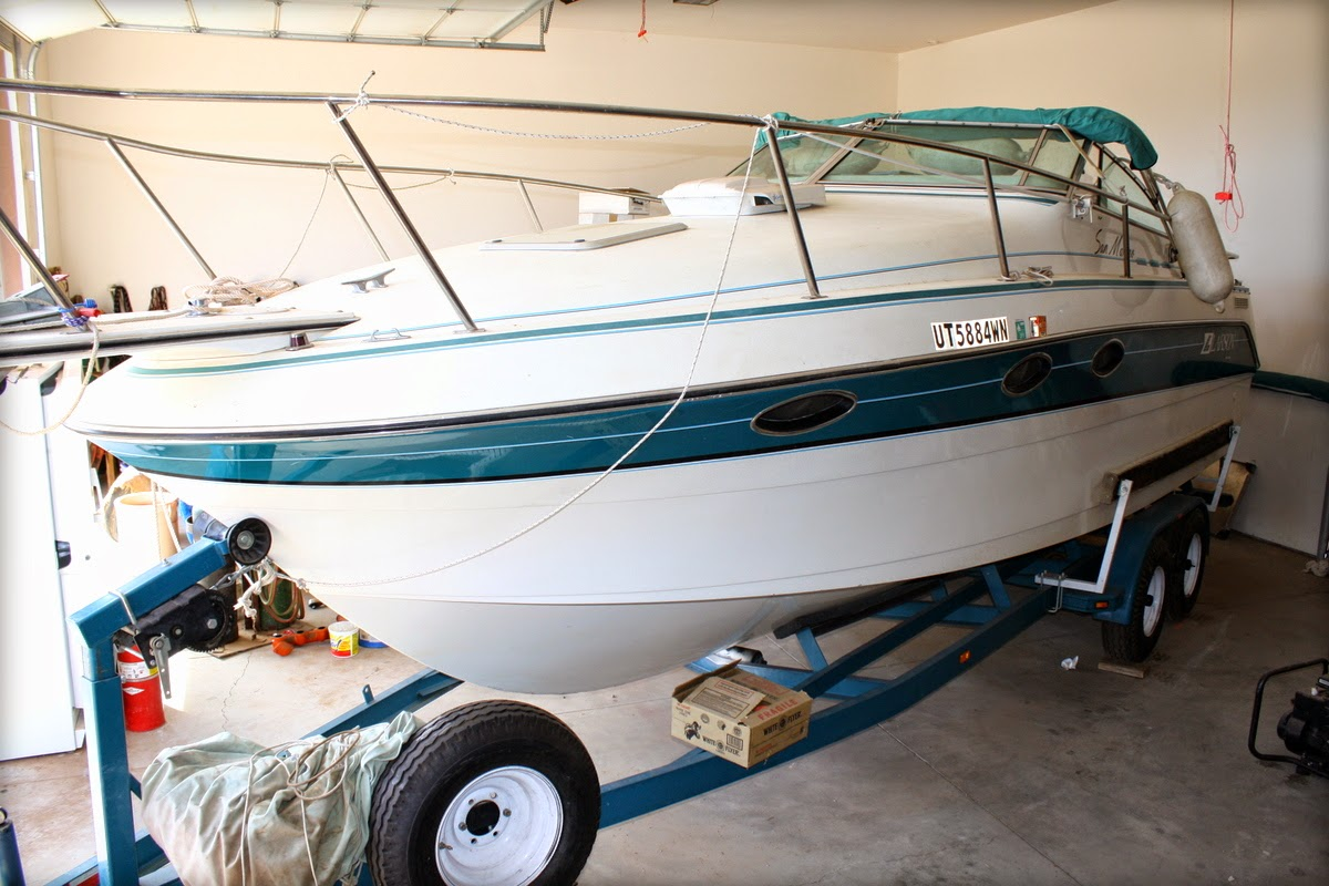 For Sale 1990 25 Ft Larson Boat San Marino Cuddy Cabin