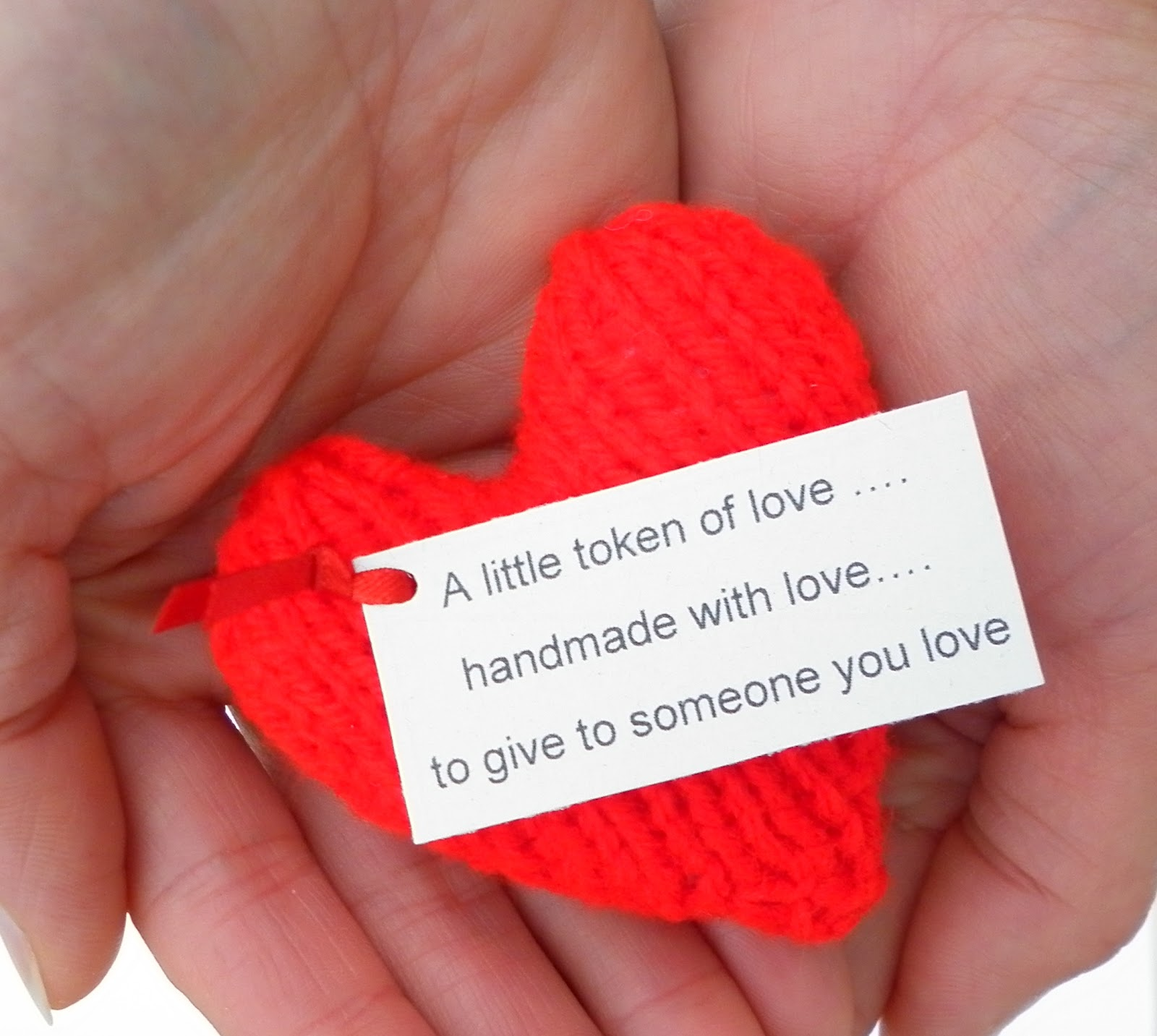 The Wool Nest: Free Knitting Pattern #4 - Valentine Heart - a little ...