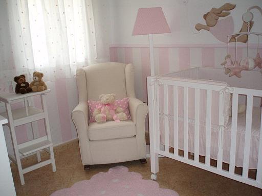 O blog d 39 a janelinha o papel de parede na decora o de - Alfombra habitacion bebe ...