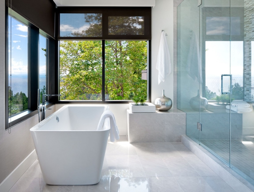 Bathroom in Elegant modern house in west Vancouver, Canada
