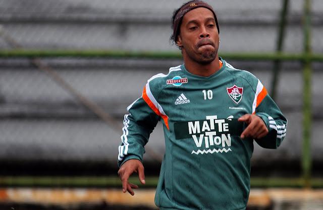 Elogiado por Oswaldo de Oliveira, Ronaldinho Gaúcho reencontrará seu ex-clube (foto: Nelson Perez/Fluminense)