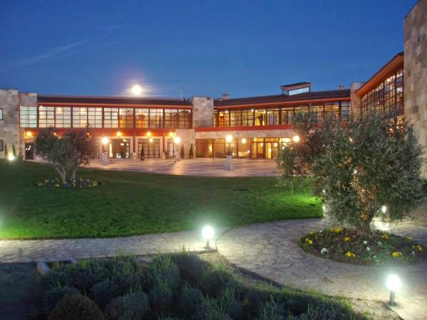 Hoteles para ni os almonacid de toledo toledo hotel for Piscinas naturales cerca de toledo
