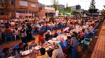 Umroh plus turki satutours : Adat dan tradisi puasa ramadhan di Turki