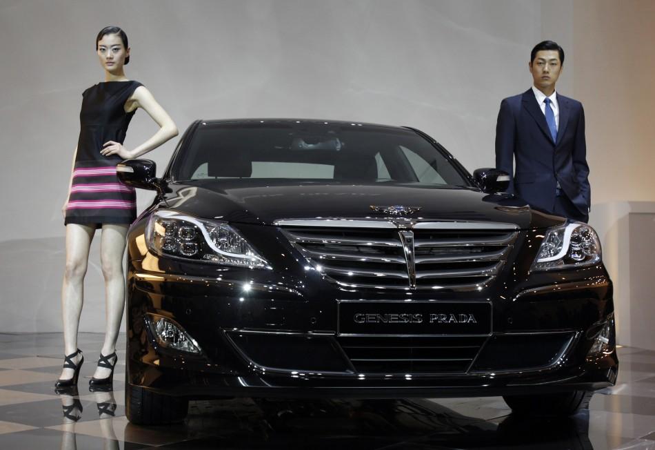 Hyundai Genesis & Prada | W-Fashion & Cars