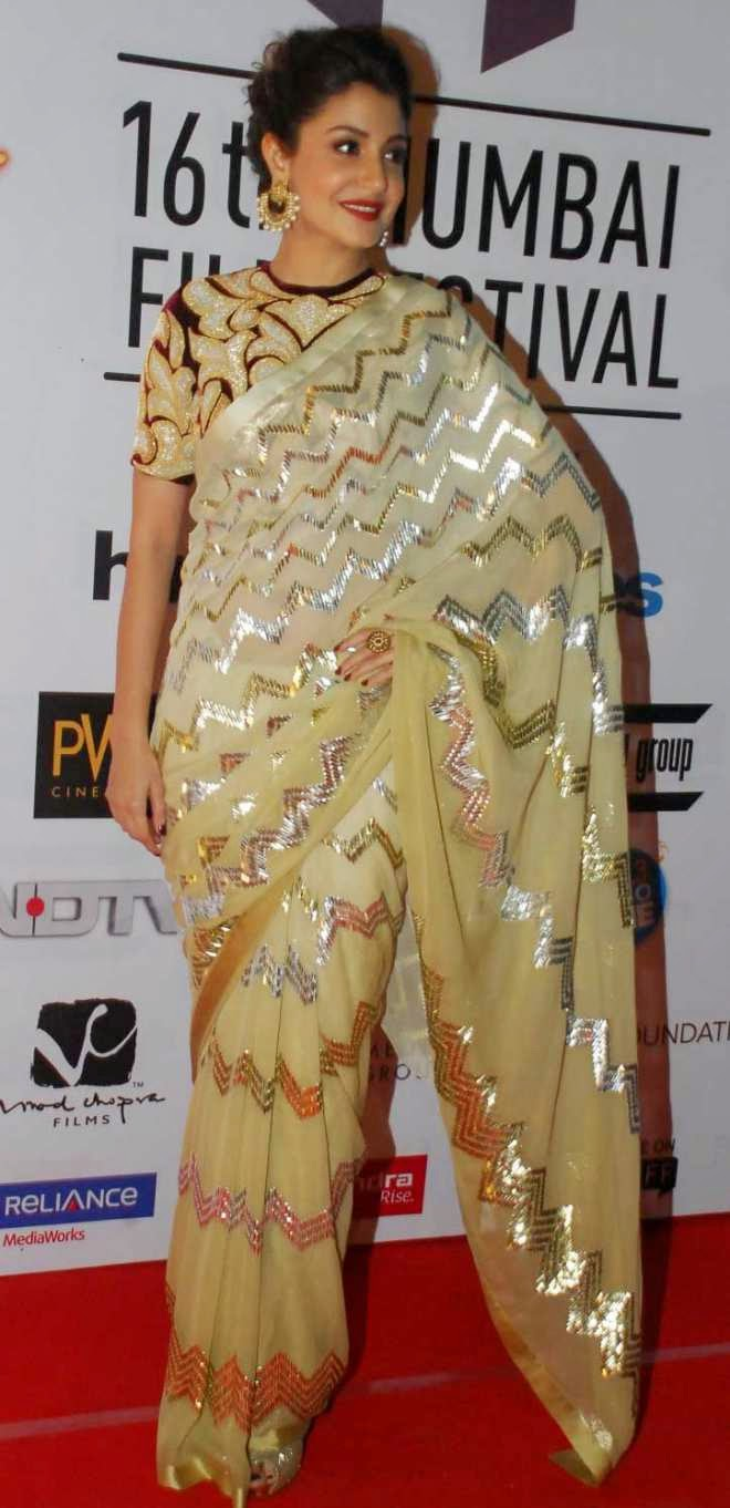 anushka sharma hot wallpapers in saree