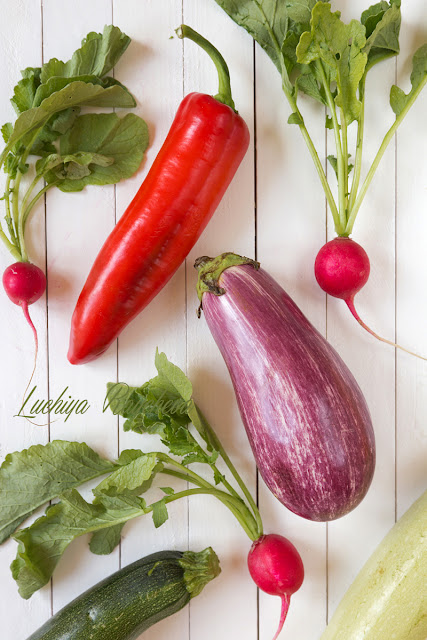 Хумус с печени зеленчуци