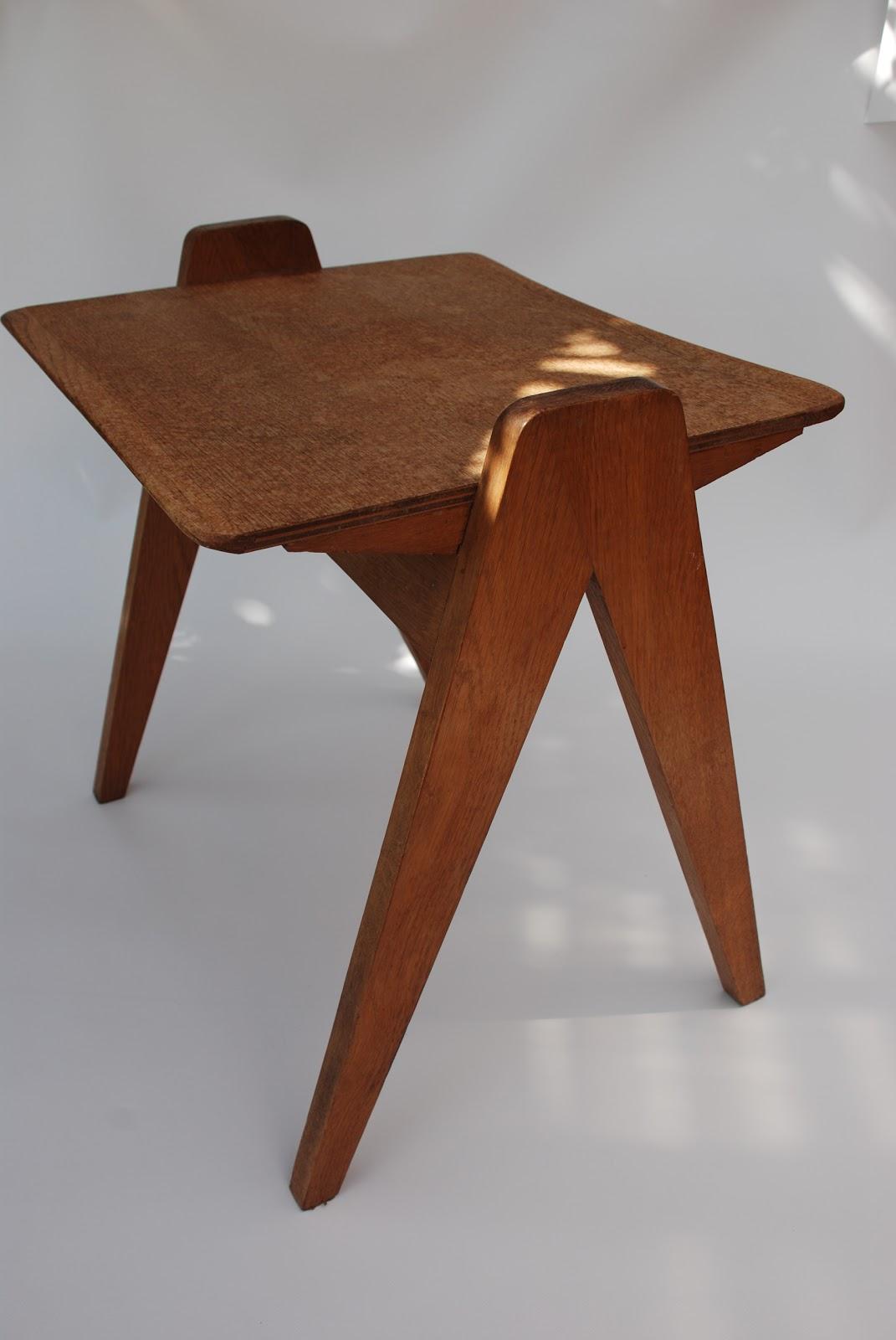 le petit march aux puces table d 39 appoint pieds compas. Black Bedroom Furniture Sets. Home Design Ideas