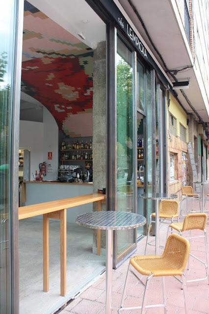 Wandgestaltung zum Selbermachen: Gemälde aus Fliesen