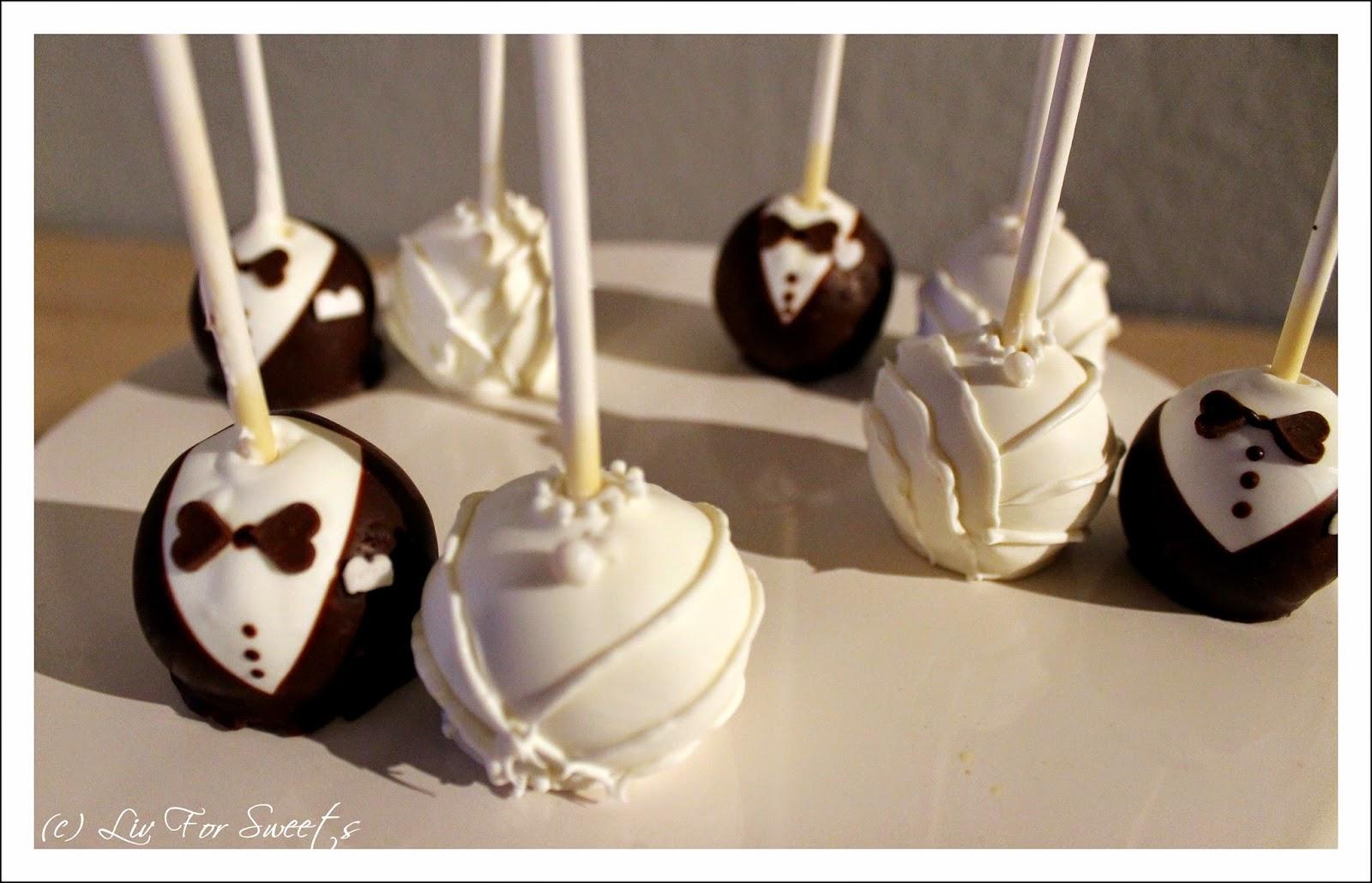 Cake-Pops in Form von Bräutigam und Braut