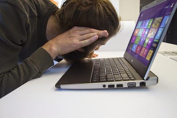 كثير من الناس عندما يتوقف الكمبيوتر عن العمل لايستطيعون حل مشاكلهم؟