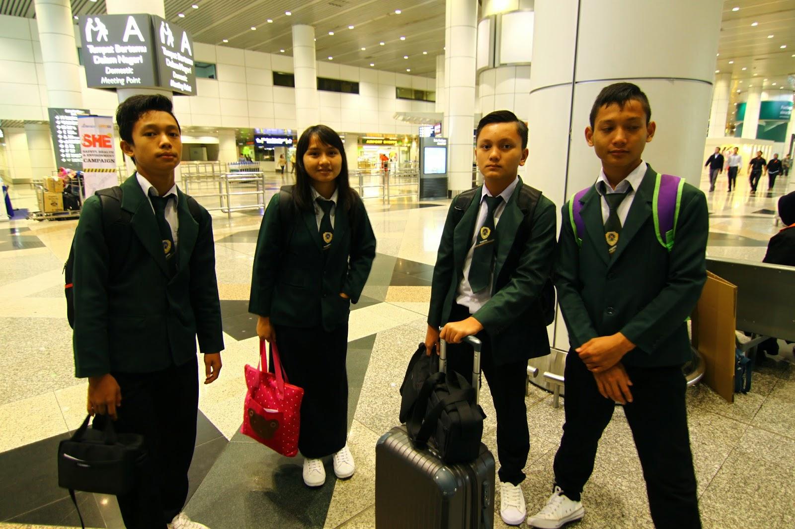 Pasukan LRK2014 Sarawak di KLIA