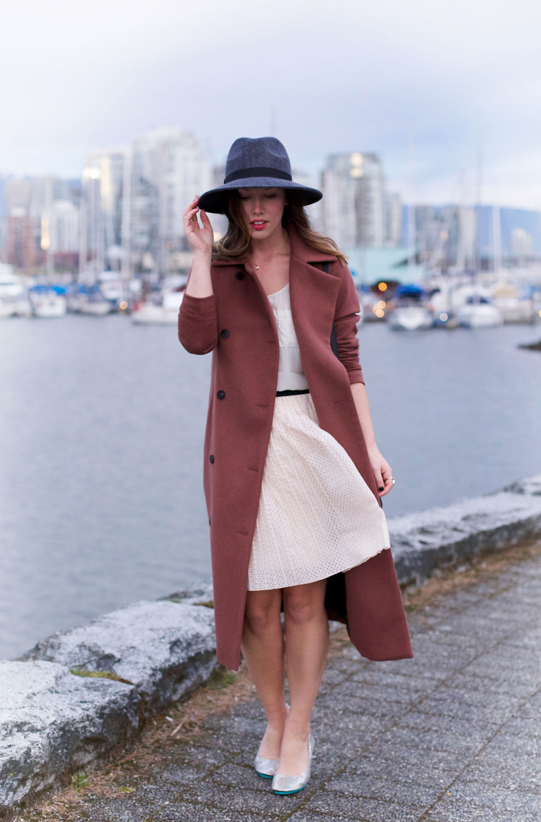 to vogue or bust, vancouver style blog, vancouver fashion blog, vancouver style, vancouver fashion, canadian fashion blog, alexandra grant, tieks flats, tieks giveaway, joe fresh tank top, joe fresh pleated skirt, tieks flats, obakki coat, french connection fedora hat