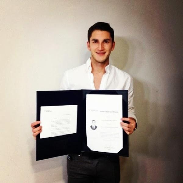 Hiram Mier se gradúa de la Universidad
