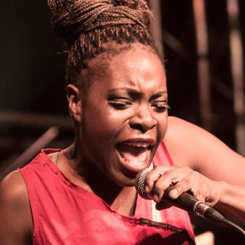 Mayka Sitté, vocalista de Freedonia