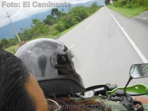 En motocicleta con Yuliana Calderón hacia la naciente del río Tioyacu (Rioja Perú)