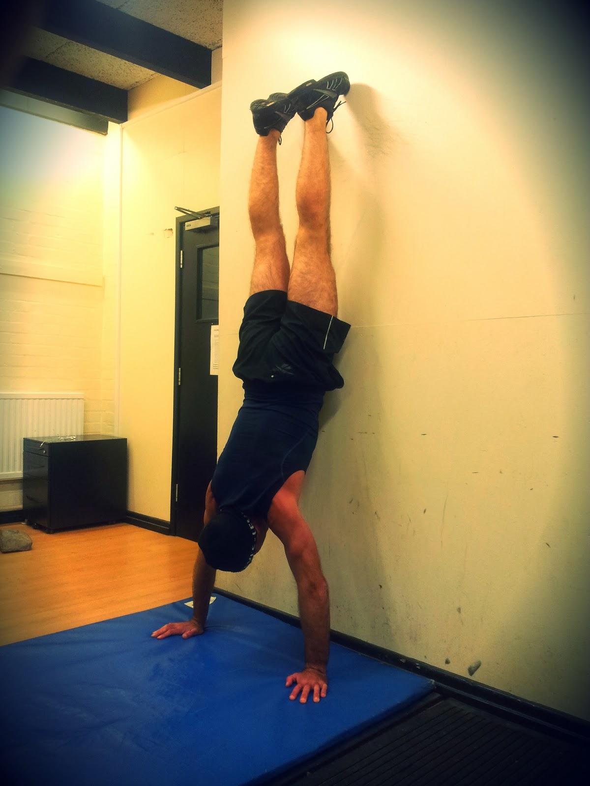 Fitness 666: Handstands - 166.2KB
