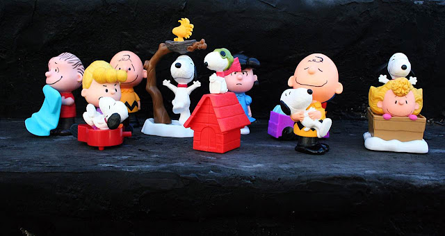 McDonald's Snoopy and the Gang The Peanuts Movie