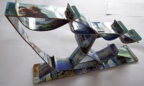 Arte com cartão tefônico feita por Charles Meira