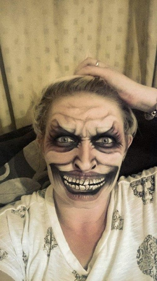 26-Nikki-Shelley-Halloween-Changing-Faces-Body-Paint-www-designstack-co