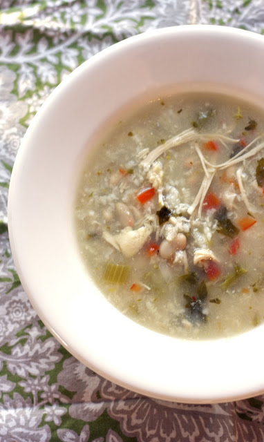 Slow Cooker Italian White Bean Soup: simplelivingeating.com