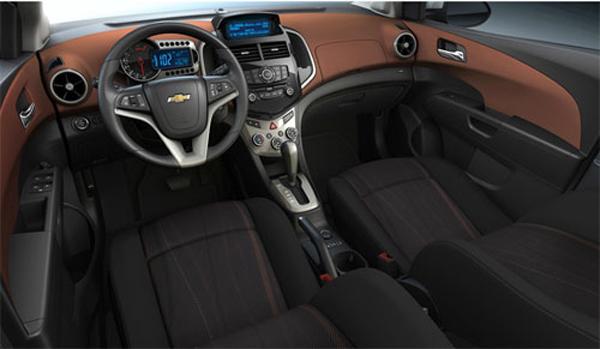 Interior Chevrolet Aveo Sedan 2012