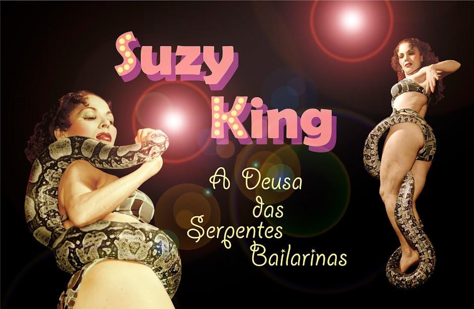 Suzy King, a Deusa das Serpentes Bailarinas