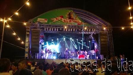 Um show de muitas luzes e emoção marcou a apresentação de Moura Rossi na 122ª  Festa de São Sebastião.