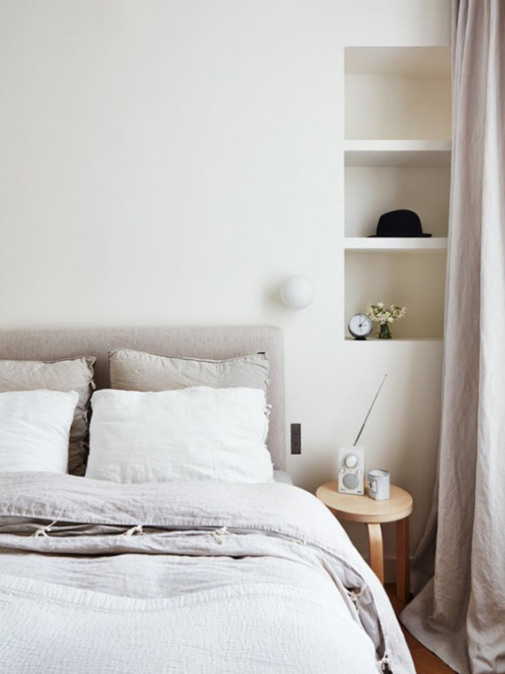 Calm neutral bedroom. Photo by Idha Lindhag