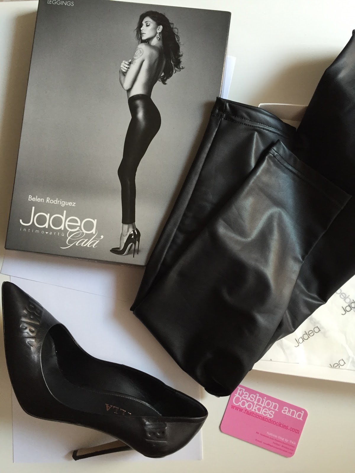 Jadea leggings effetto pelle, Jadea leather leggings su Fashion and Cookies fashion blog, fashion blogger