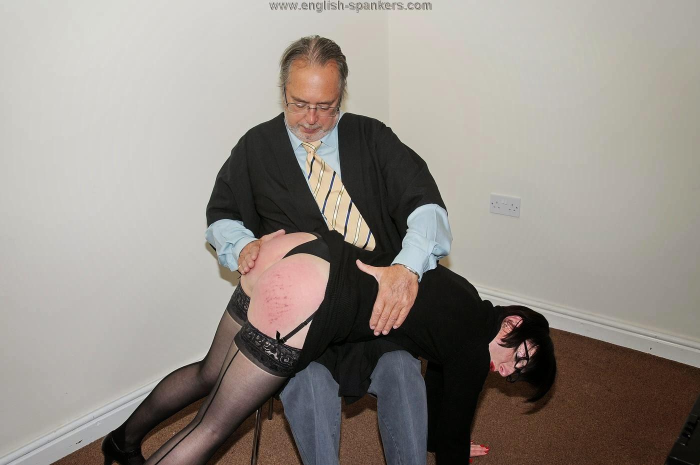 Correct way to spank love makin