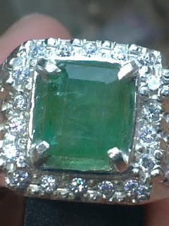 natural emerald / zamrud from Brazil