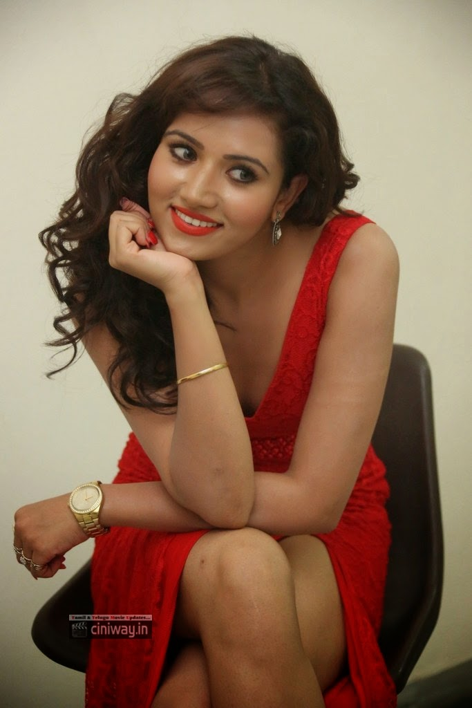 Preethi-Rana-Stills-at-Gaali-Patam-1st-Look-Launch