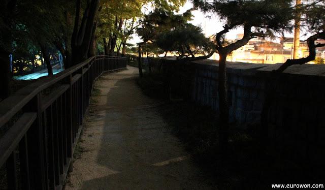 Muralla de Seúl al lado del Hotel Shilla