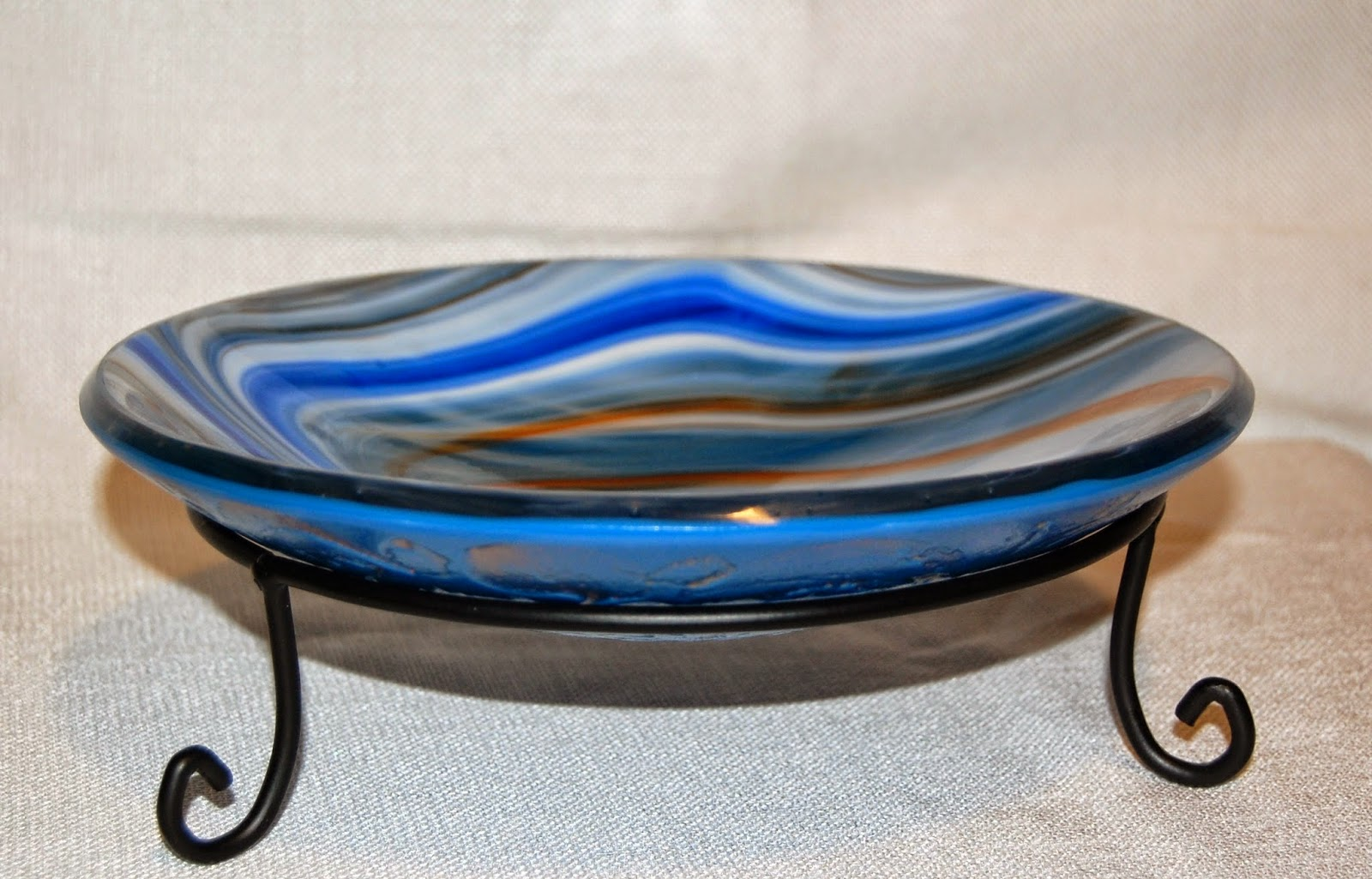 Fusers reserve glass with mica carved back