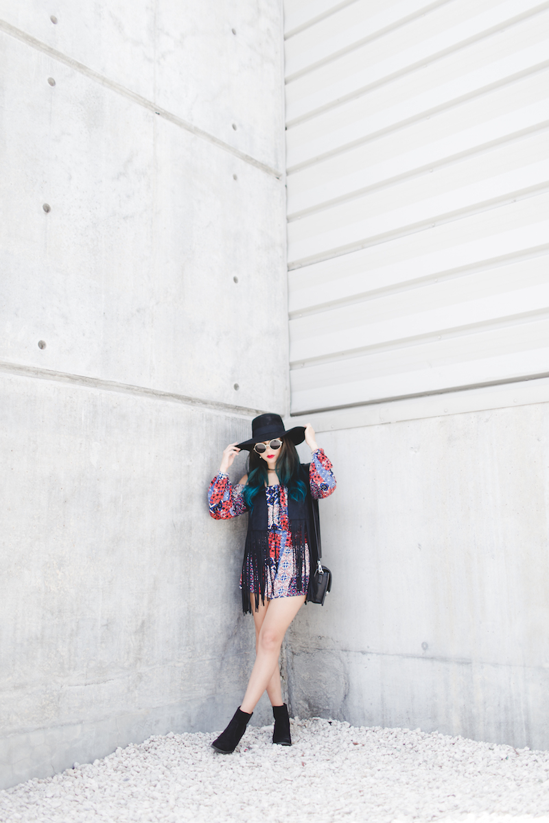 bohemia, blue hair, fashion, miami fashion, miami fashion blogger, forever 21, round sunglasses, off the shoulder romper, fringe vest, express, hm, hat, tattoo choker,