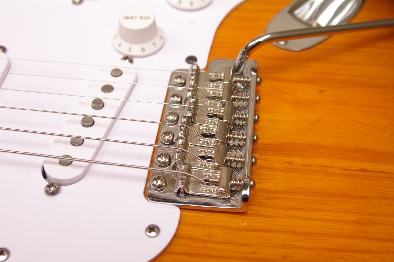 Schuyler Dean Pickups 2011 Emg P Bass Wiring Reverb The Stratocaster Tremolo Pivots On Six Body Screws And Is Tensioned By Three