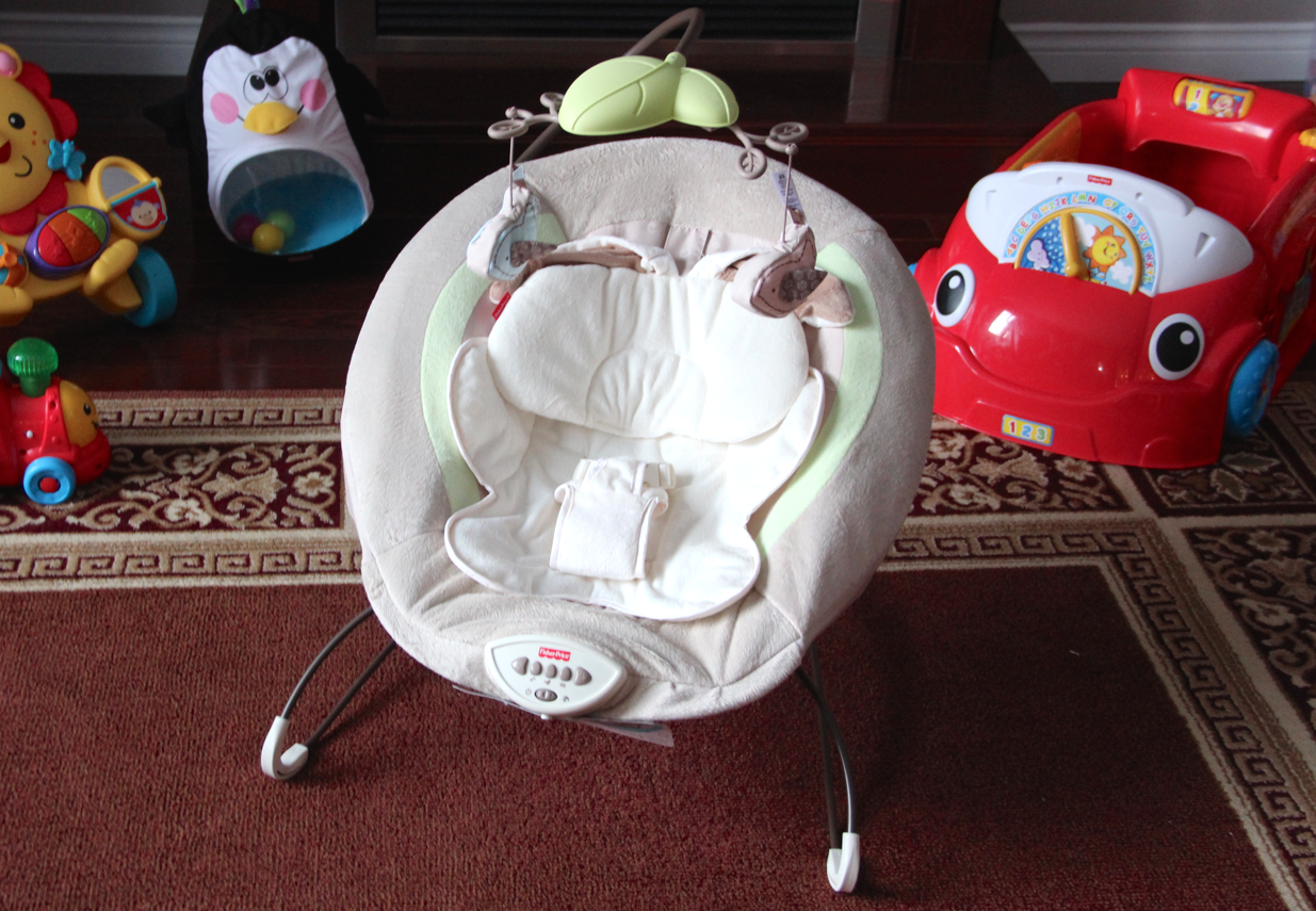 Fisher-Price Moms Top 10 - My Little Snugabunny Deluxe Bouncer #FPMomsTop10