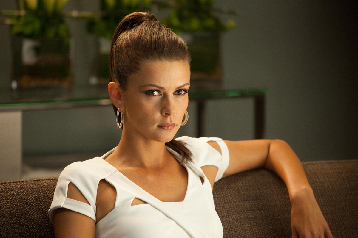 http://1.bp.blogspot.com/-uY-_Veul0g4/TyLrNL7yDjI/AAAAAAAAIxc/PcBpng4s3o8/s1600/Olga+Fonda+5.jpg