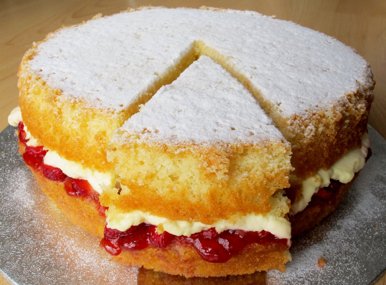 Sam Tan's Kitchen: Victoria Sponge with Fresh Strawberries