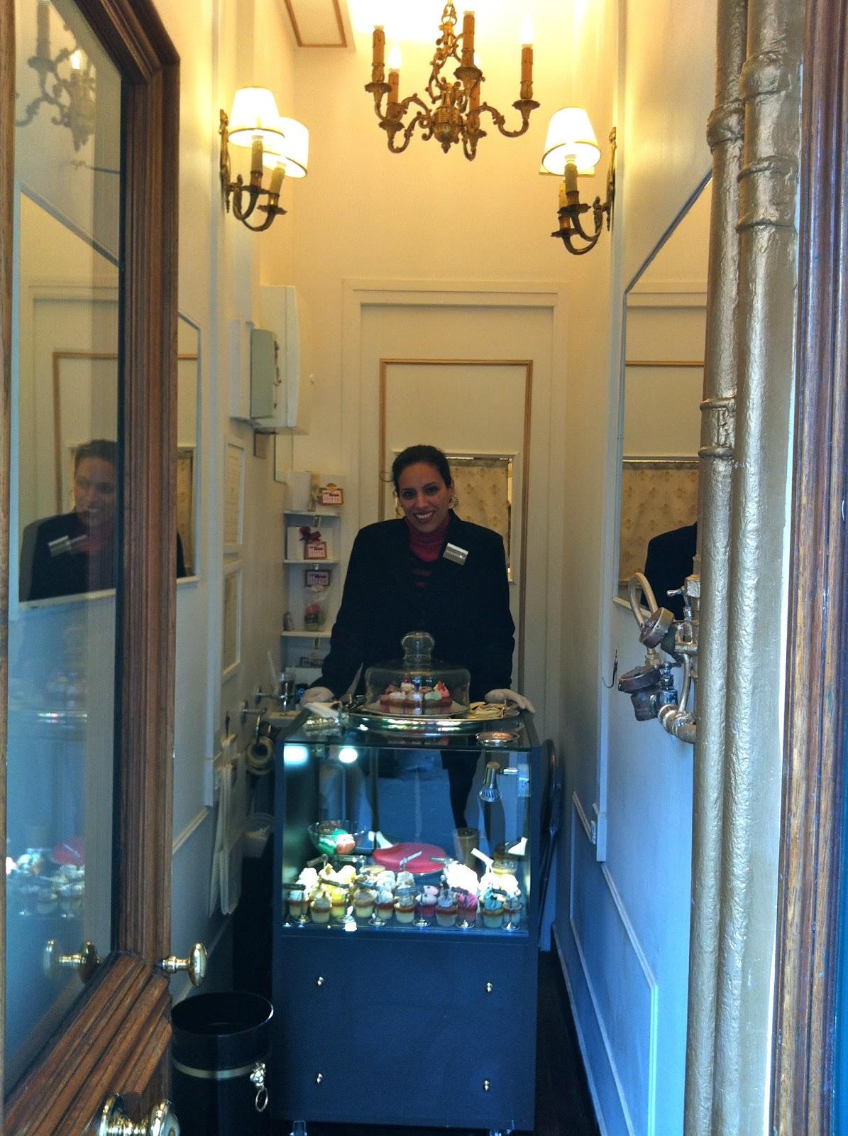 cupcake macaron la plus petite boutique de paris. Black Bedroom Furniture Sets. Home Design Ideas